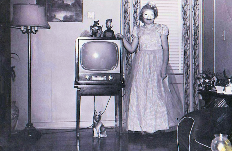 Carol-at-15-costume-partytint800